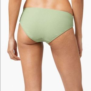 NWT Clear waters bikini bottom Med Rise